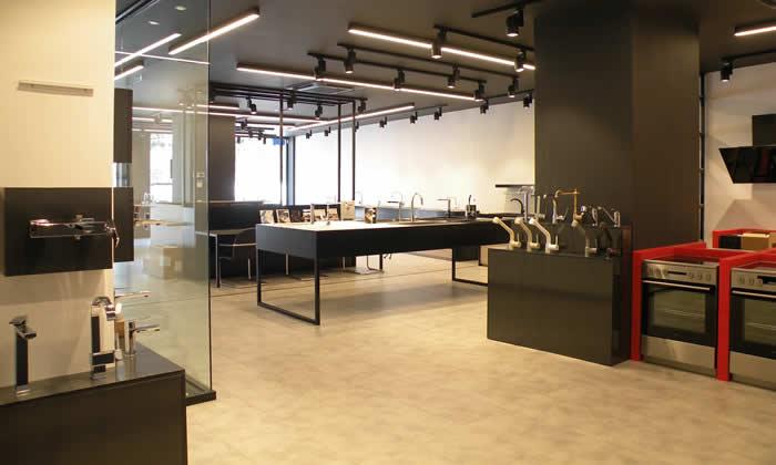 showroom pyramis